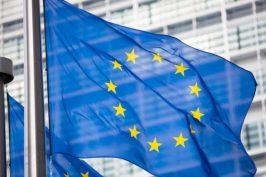 bandiera-europea-europa-by-andrey-kuzmin-fotolia-750-e1484823266917